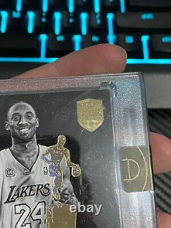 2017 Panini Eminence Kobe Bryant Auto Black Mamba Moments 07-08 NBA MVP 02/10