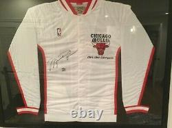 Michael Jordan signed Limited edition Chicago Bulls jacket UDA